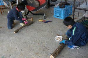 原木キノコの種駒打ち